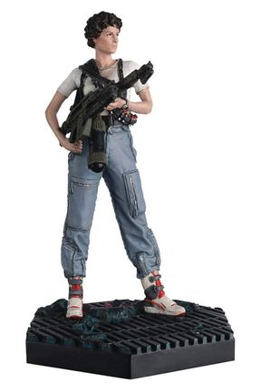 Alien and Predator Collection: Aliens - Lieutenant Ripley Figure, 13cm