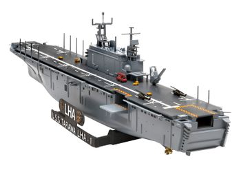 Revell plastic model Assault Ship USS Tarawa LHA-1 1:720
